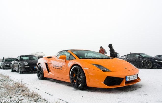 rennwagen im winter